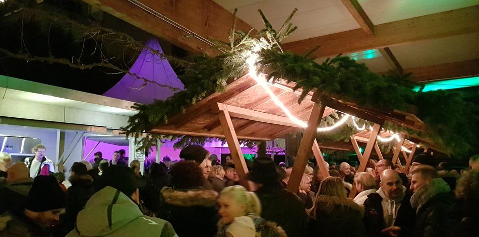 Kleine Glühweinparty bei der Weinkellerei Wangler in Abstatt mit Wein und Stimmung